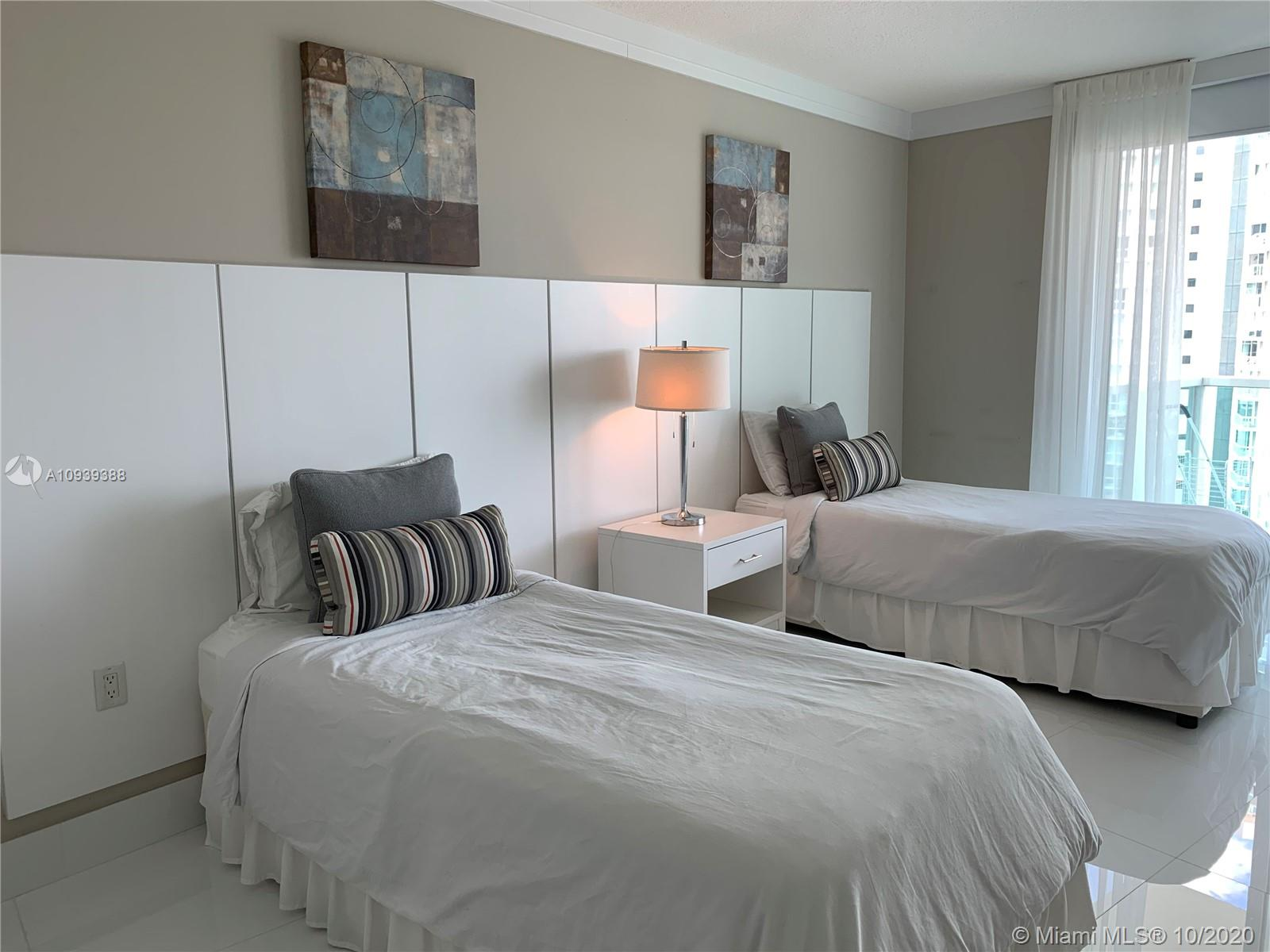 Photo of 250 Sunny Isles Blvd #3-1605 listing for Sale