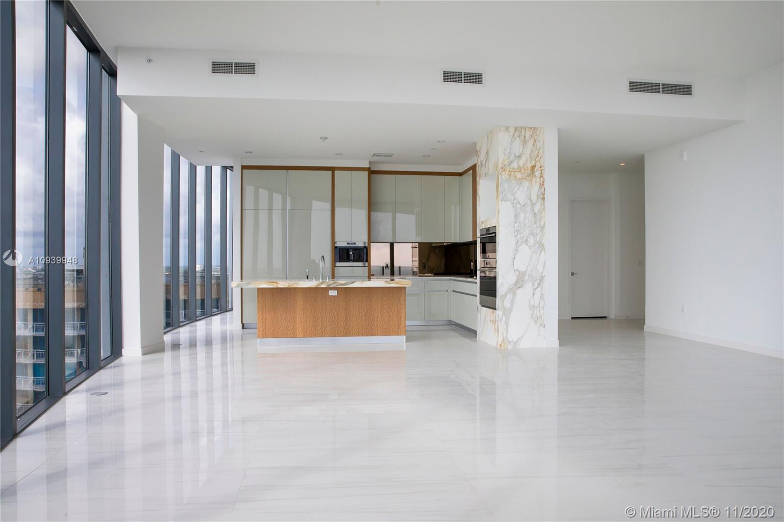 Photo of 2811 S Bayshore Dr #17A listing for Sale