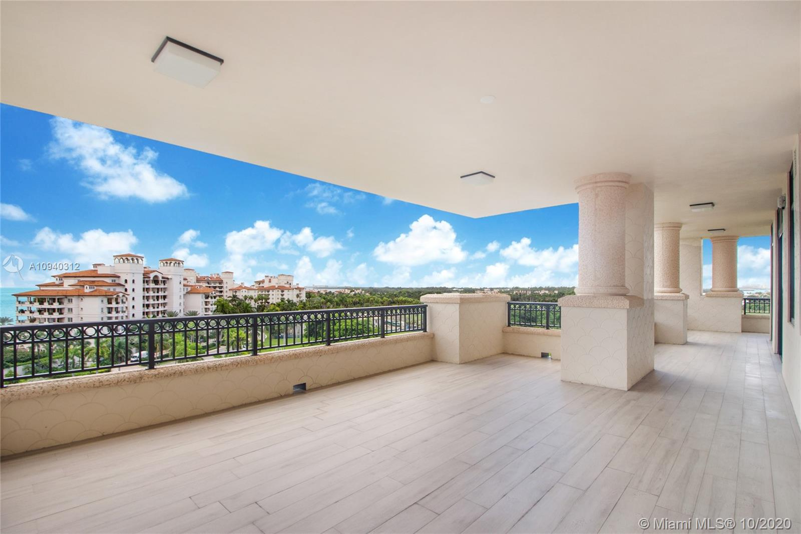 7085 Fisher Island Dr #7085 photo02