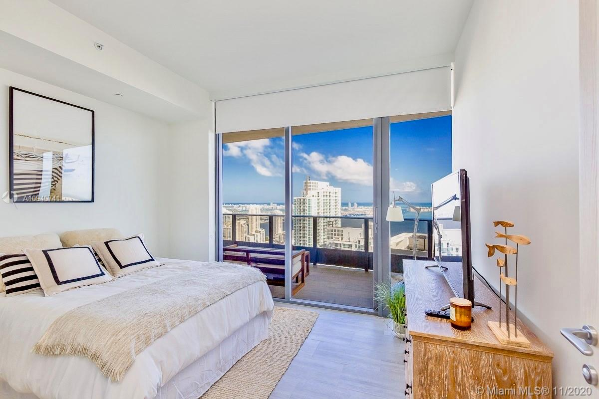 Photo of 1000 Brickell Plz #PH5408 listing for Sale