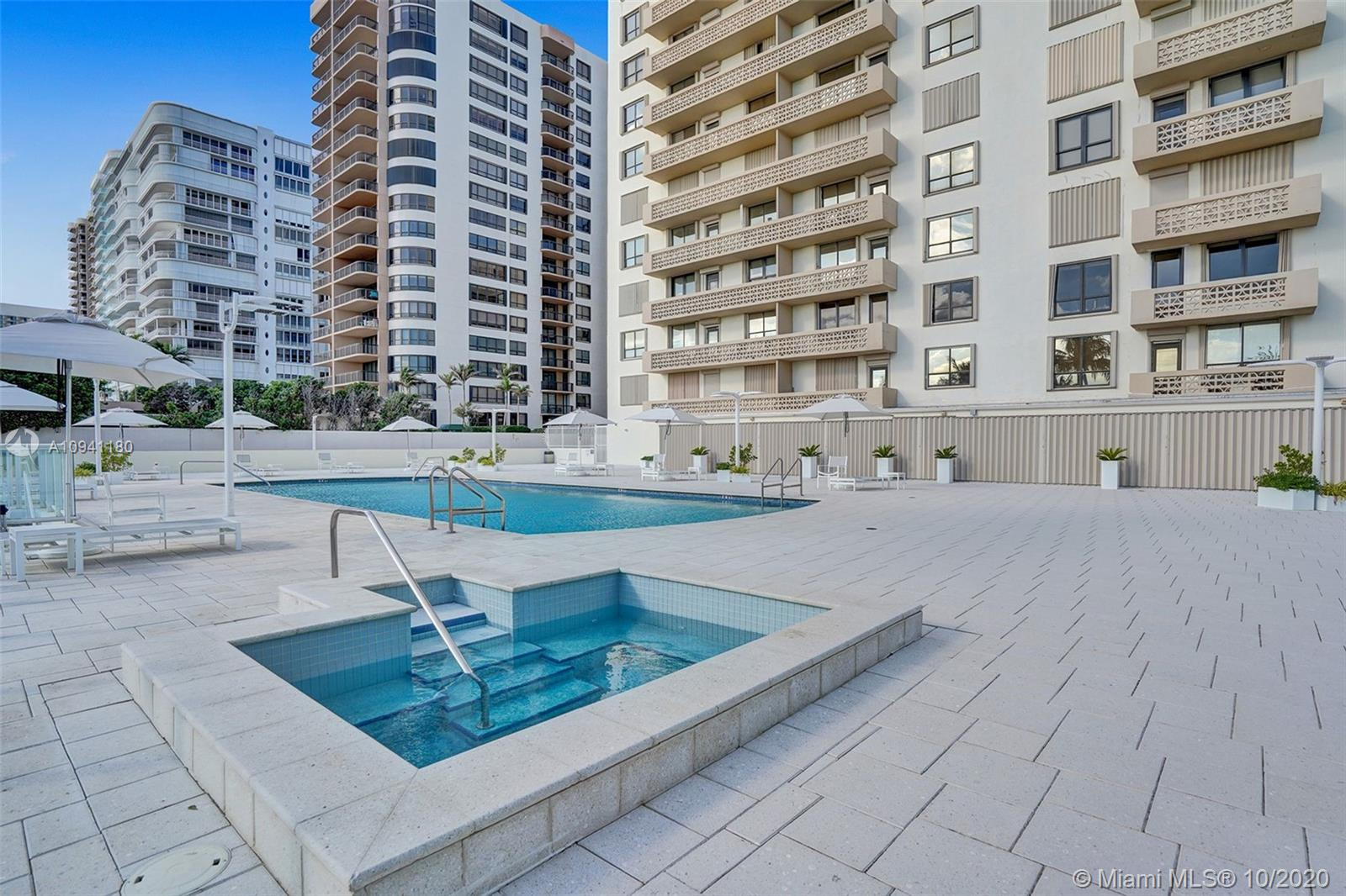 10185 Collins Ave #818 photo022