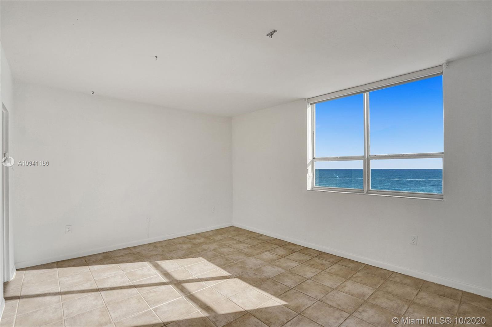 10185 Collins Ave #818 photo028