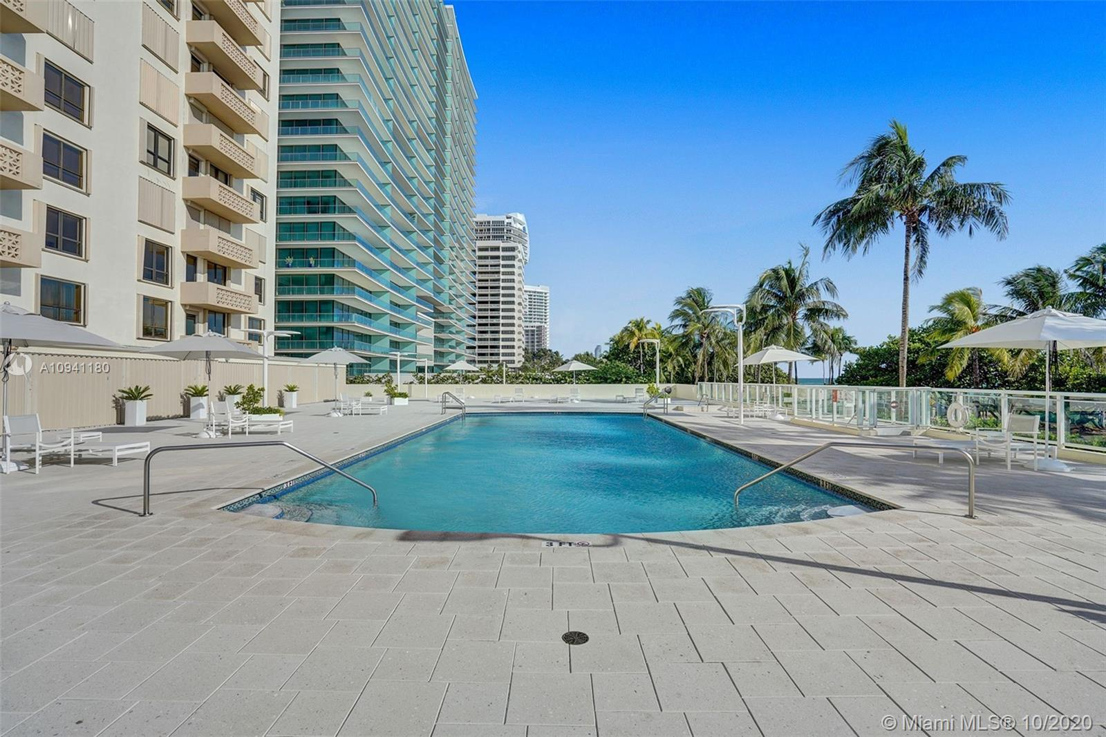 10185 Collins Ave #818 photo020