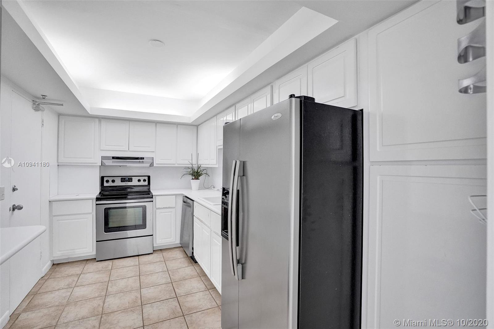 10185 Collins Ave #818 photo010