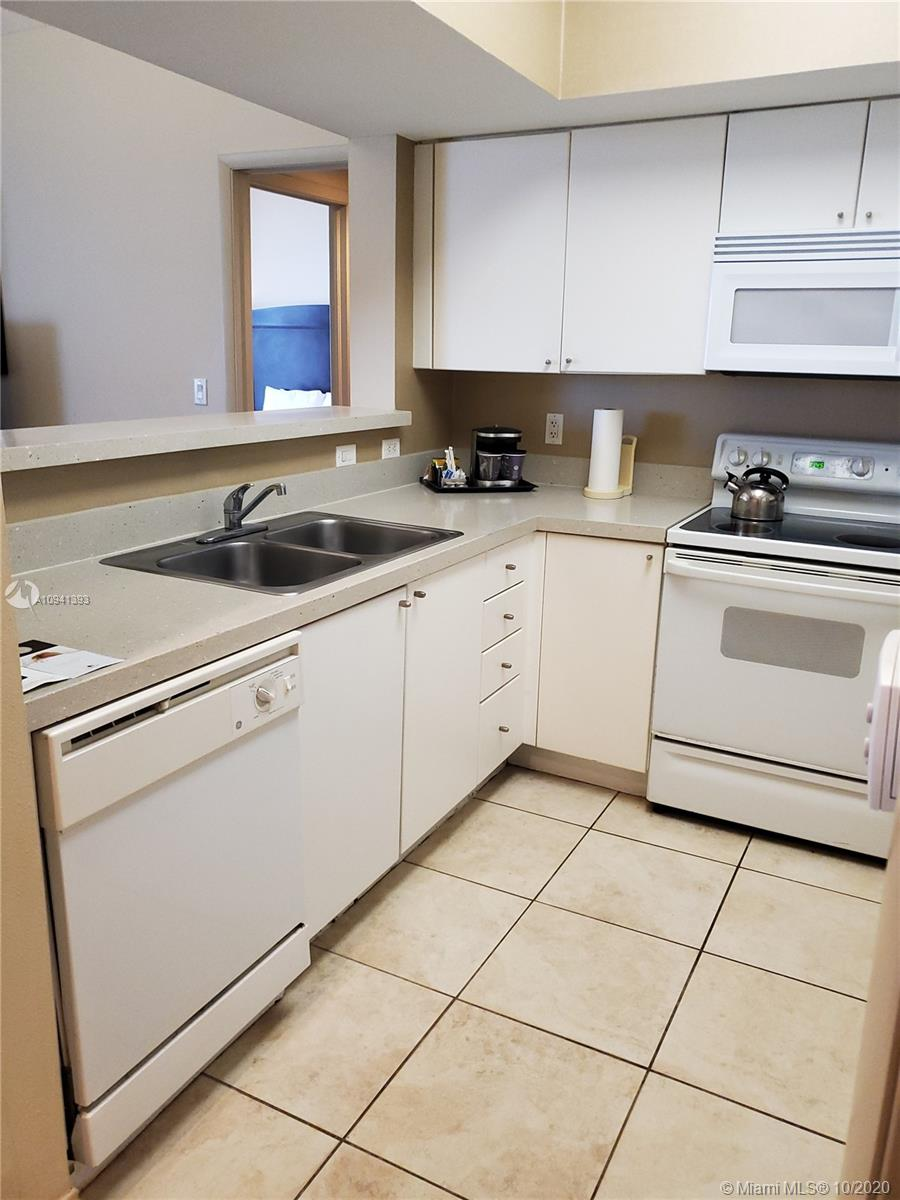 17375 Collins Ave #2707 photo02