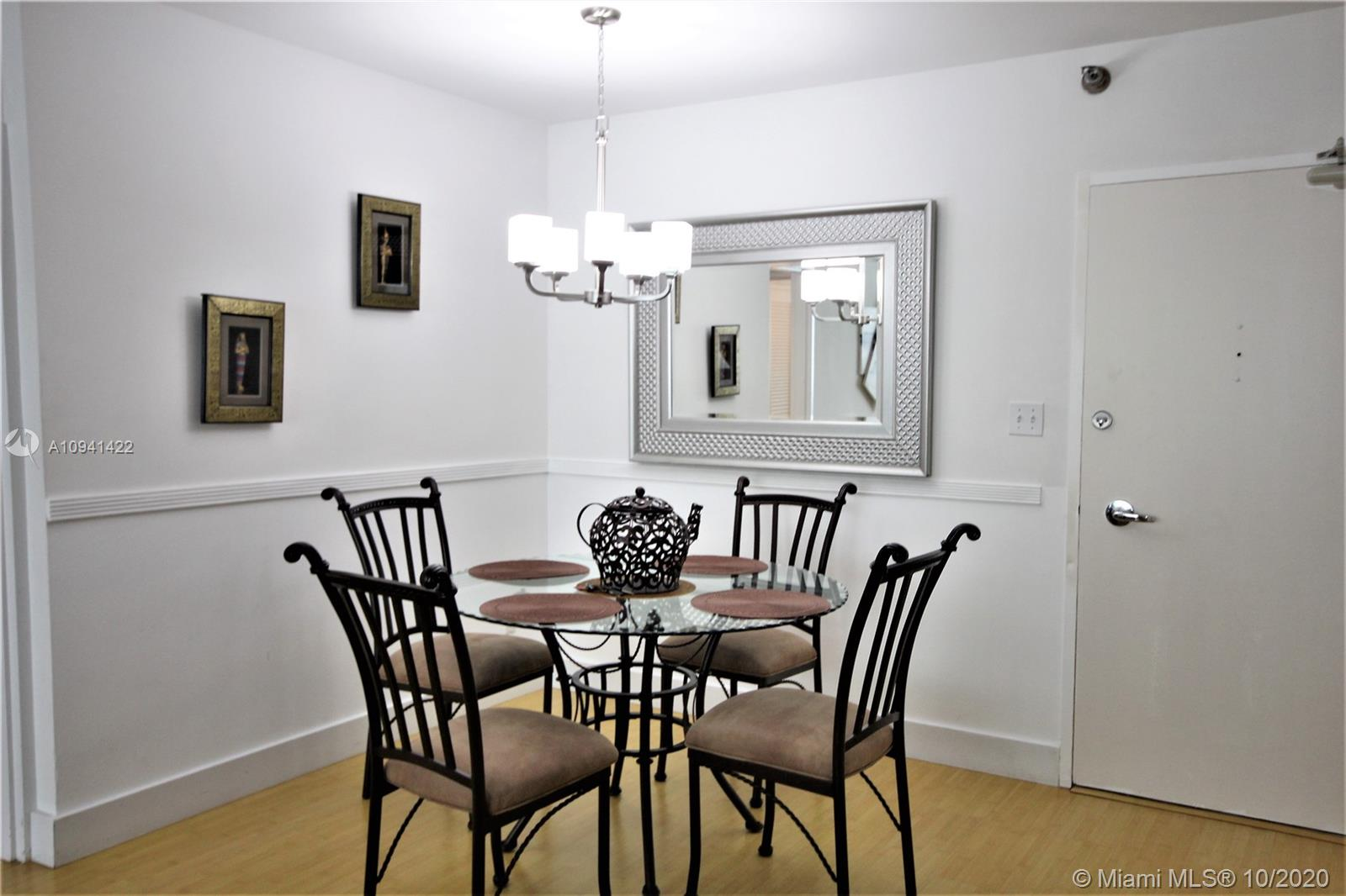 5151 Collins Ave #528 photo02