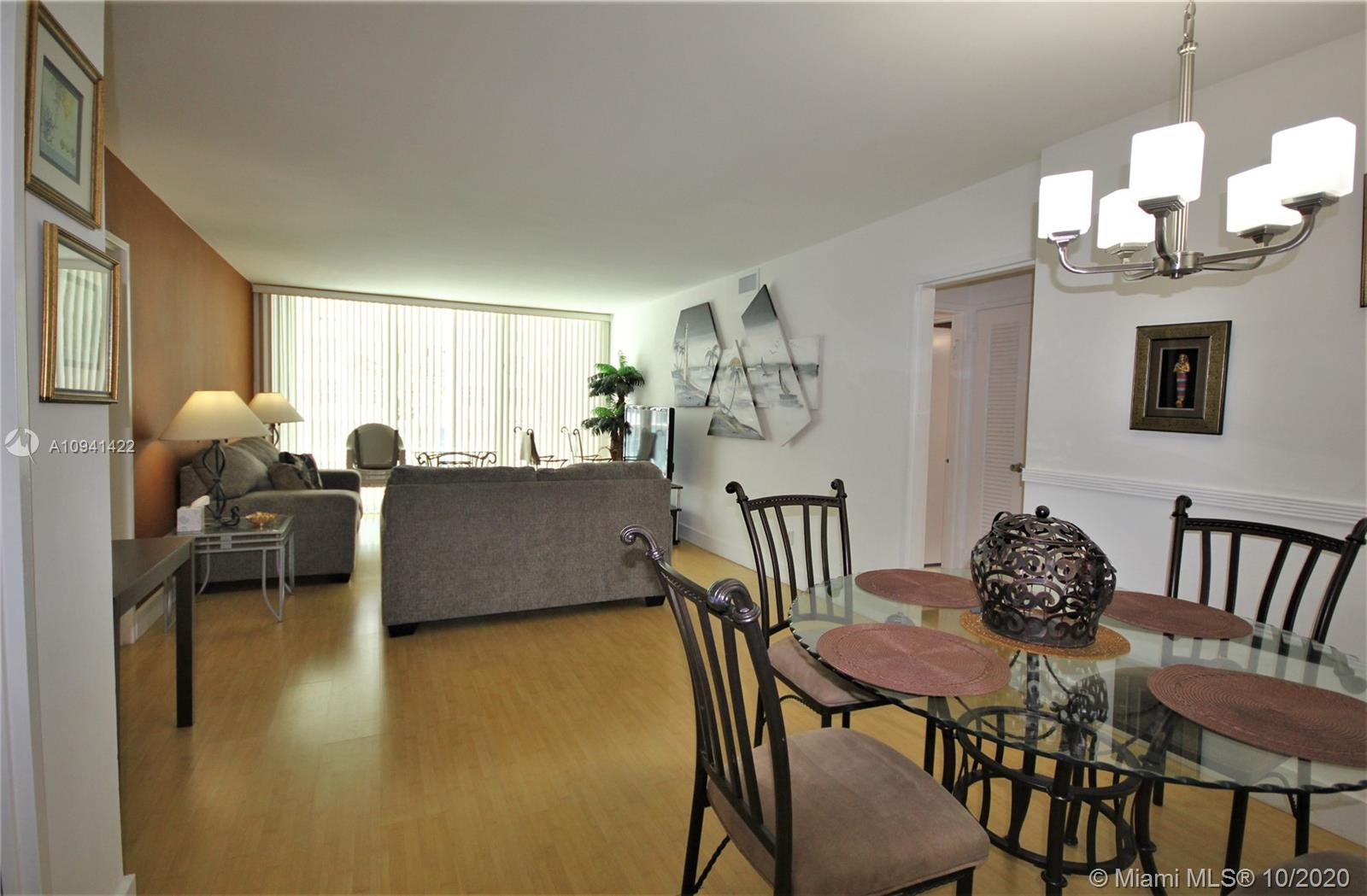 5151 Collins Ave #528 photo01