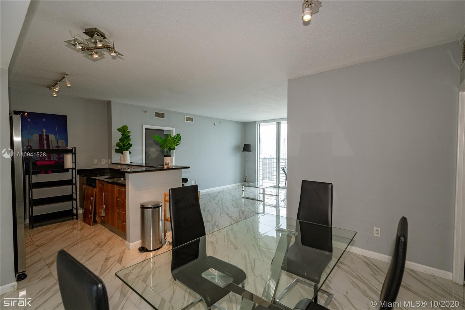 Photo of 335 S Biscayne Blvd #4208 listing for Sale