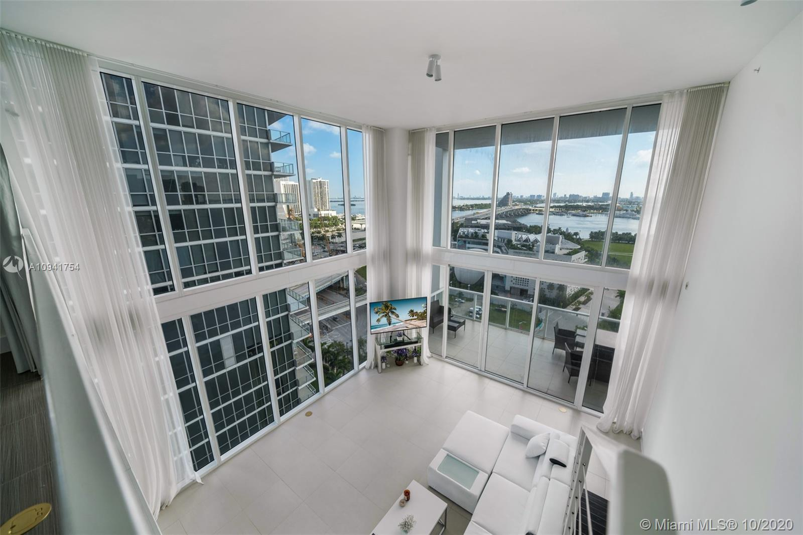 1040 Biscayne Blvd #1504 photo03
