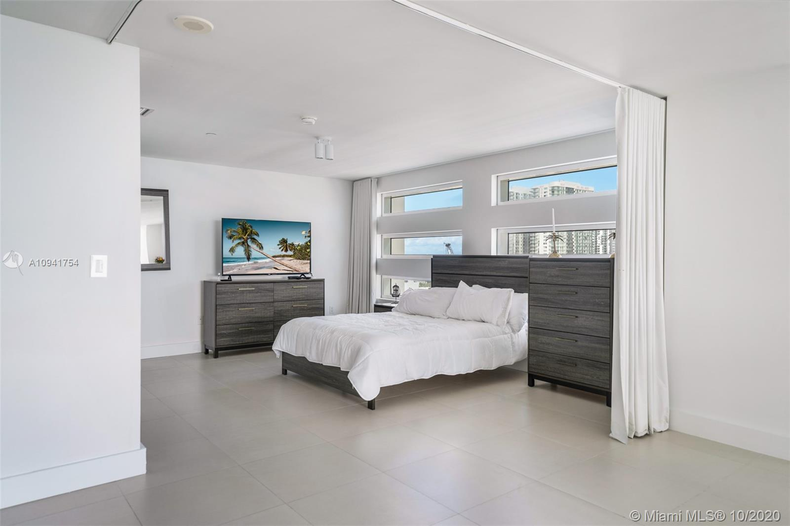 1040 Biscayne Blvd #1504 photo010