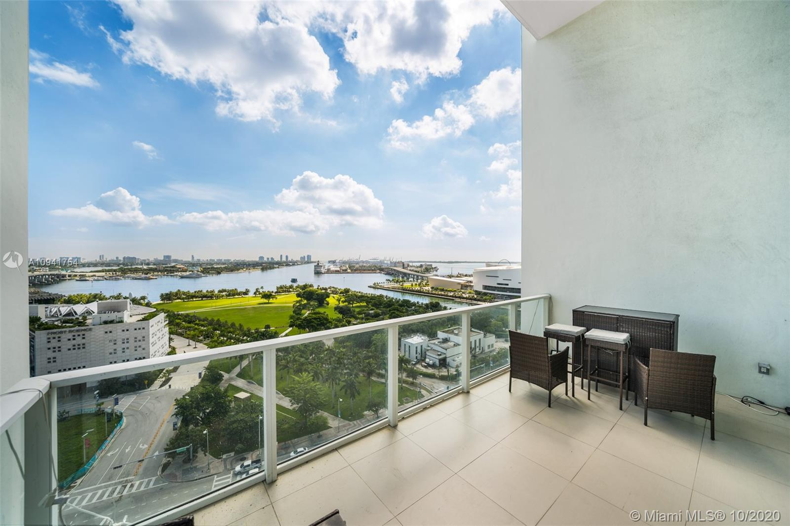 1040 Biscayne Blvd #1504 photo021