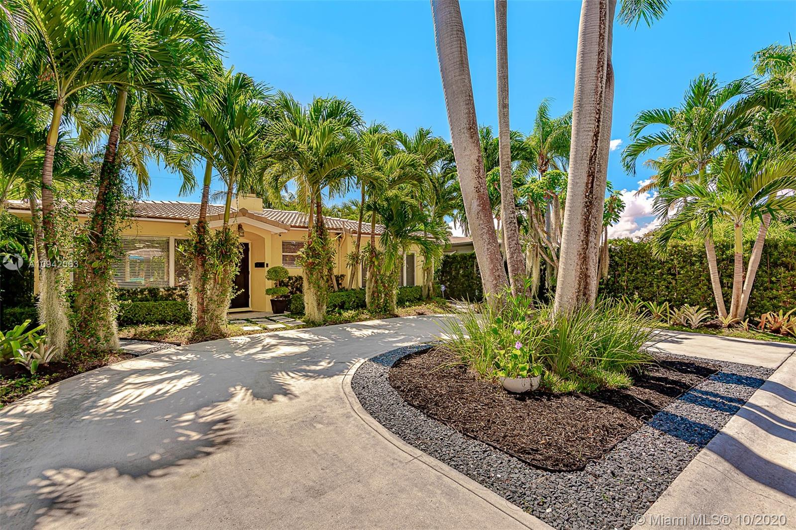 Hollywood Lakes - 1030 Lincoln St, Hollywood, FL 33019