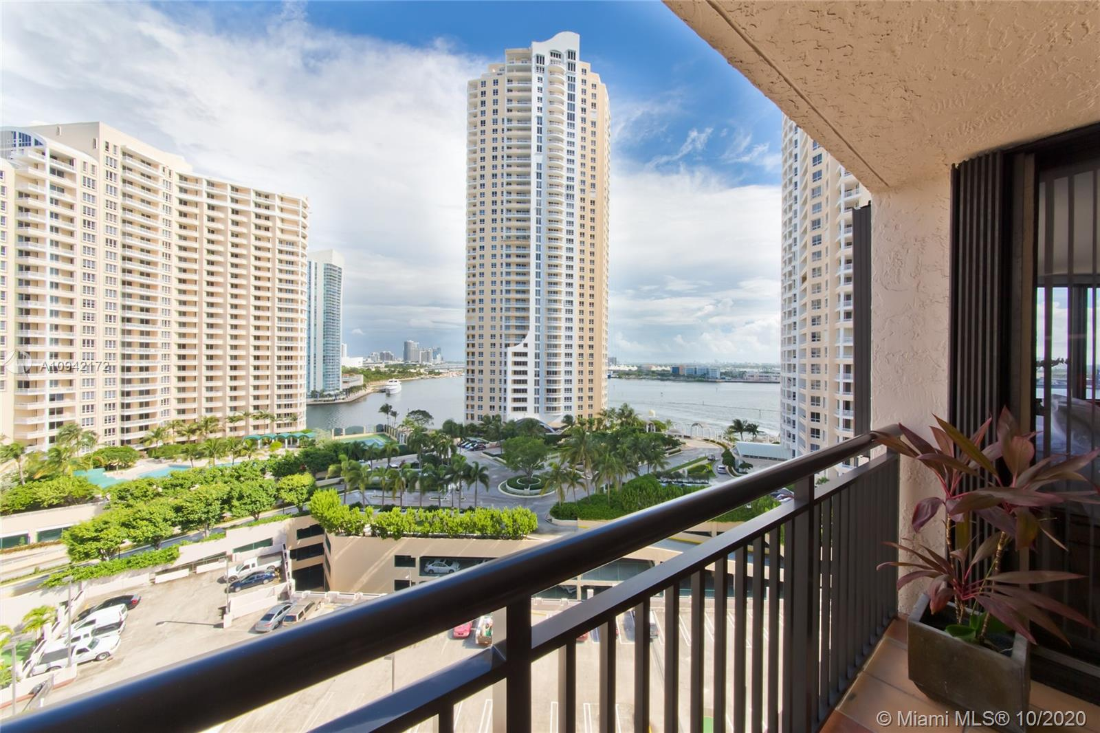 540 Brickell Key Dr #1514 photo010