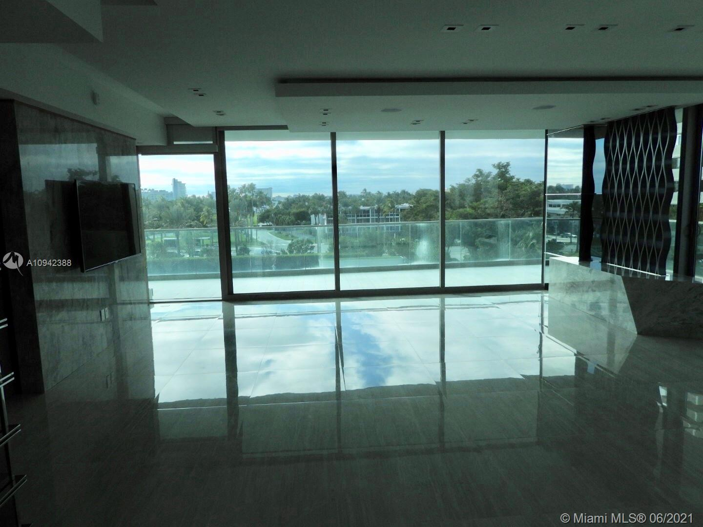 10203 Collins Ave #411 photo03