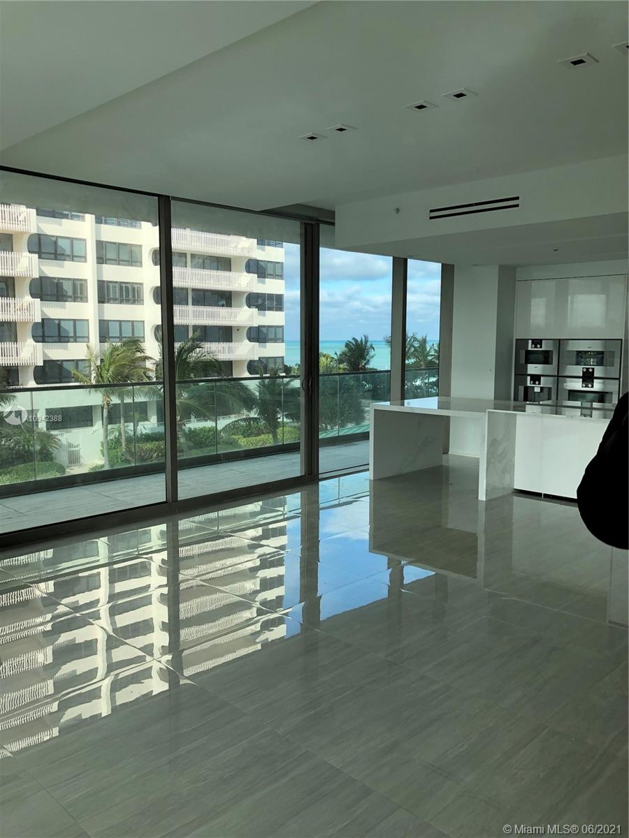 10203 Collins Ave #411 photo01