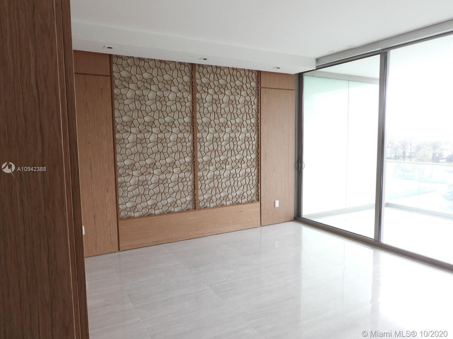 10203 Collins Ave #411 photo011