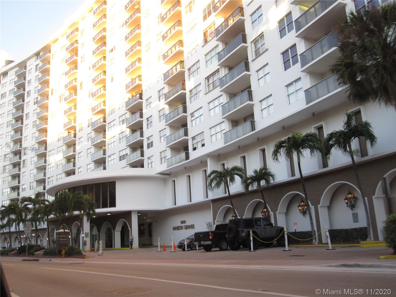 Maison Grande #930 - 6039 Collins Ave #930, Miami Beach, FL 33140