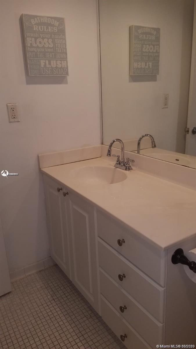 19390 Collins Ave #723 photo013