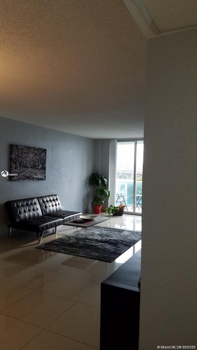 19390 Collins Ave #723 photo020