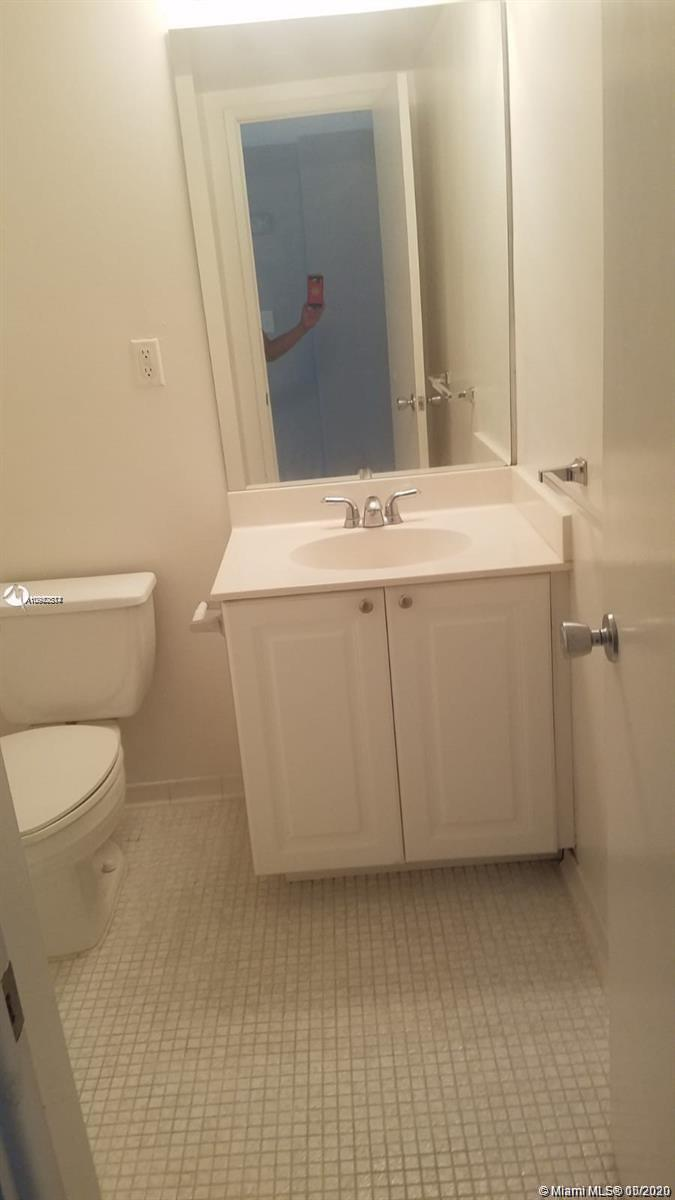 19390 Collins Ave #723 photo011