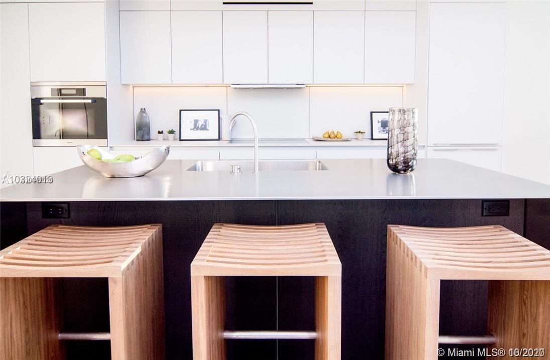 Photo of 2901 Collins Ave #1403 listing for Sale
