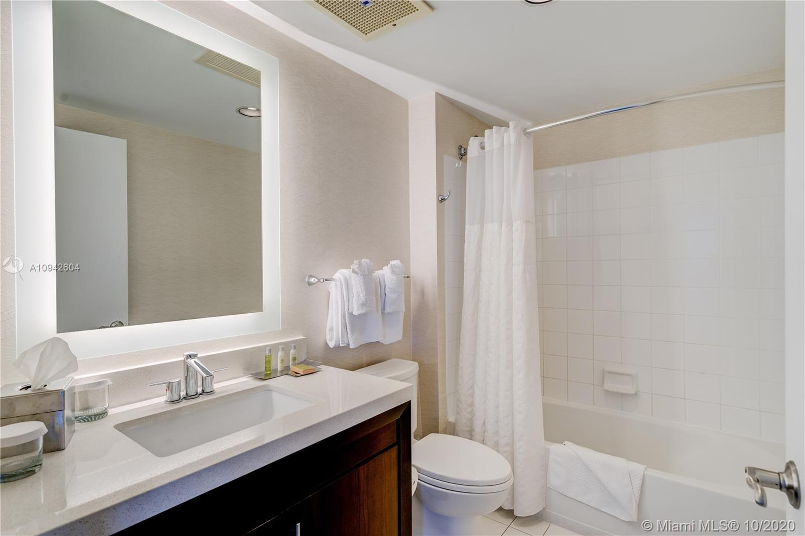 17375 Collins Ave #1208 photo07