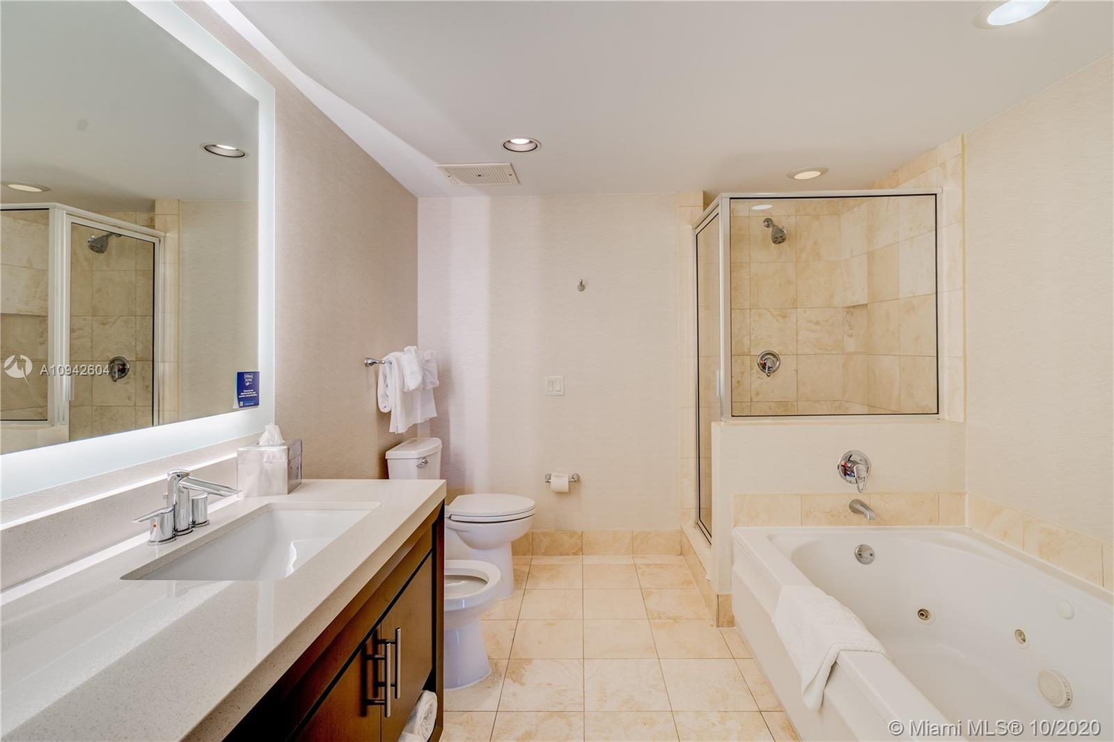 17375 Collins Ave #1208 photo05