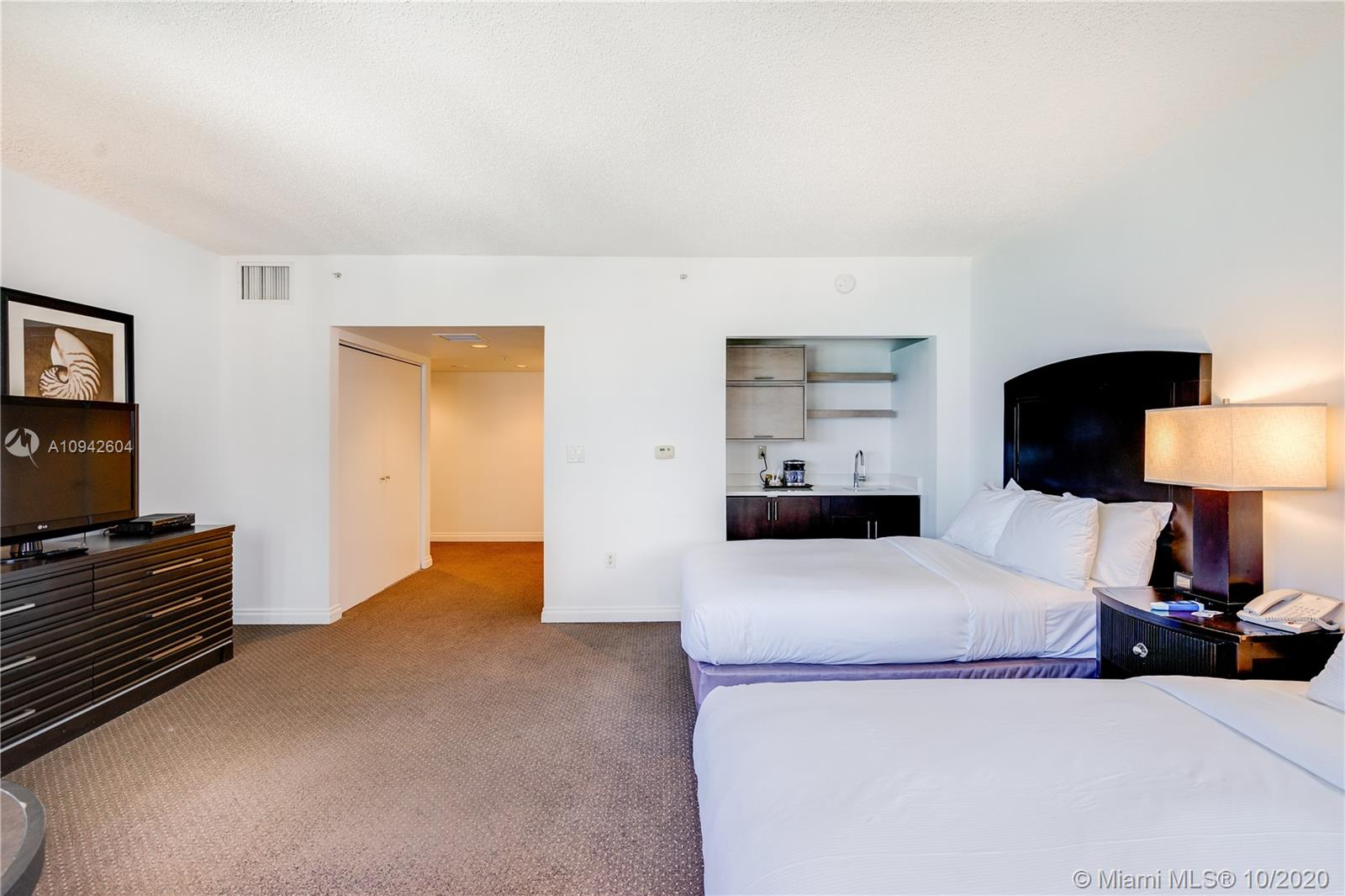 17375 Collins Ave #1208 photo08