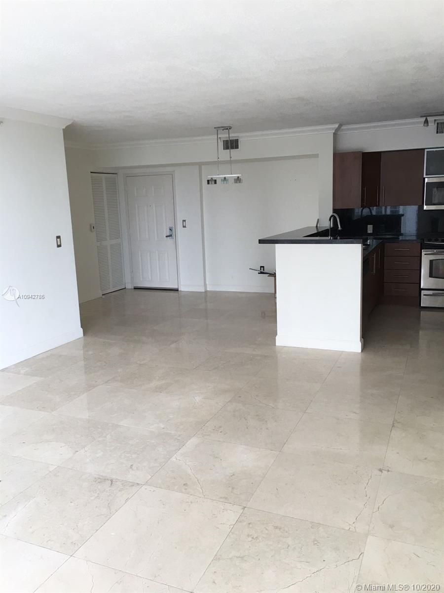 1155 Brickell Bay Dr #1003 photo02