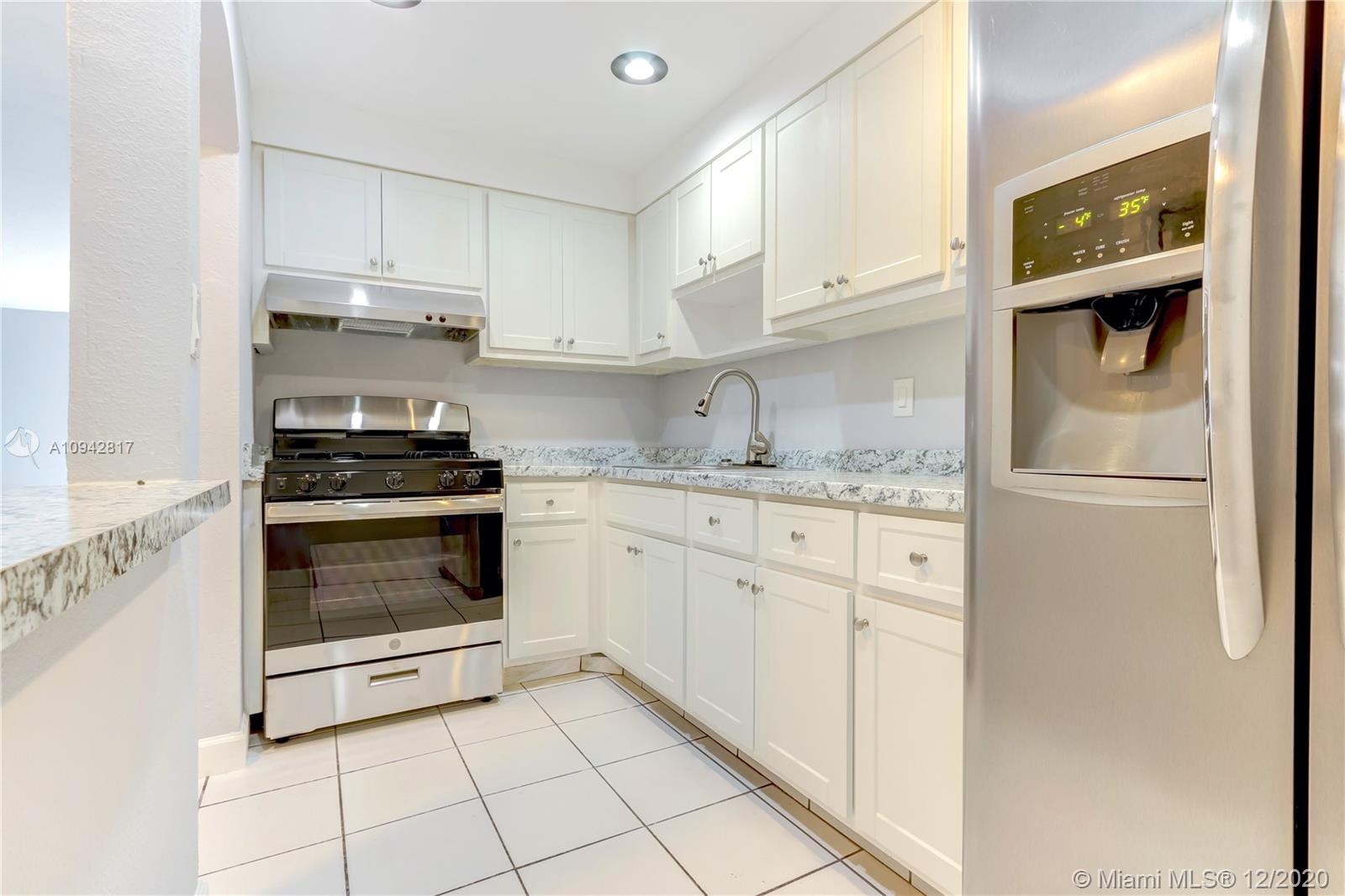 8650 SW 67th Ave # 1041, Pinecrest, Florida 33156, 2 Bedrooms Bedrooms, ,3 BathroomsBathrooms,Residential,For Sale,8650 SW 67th Ave # 1041,A10942817