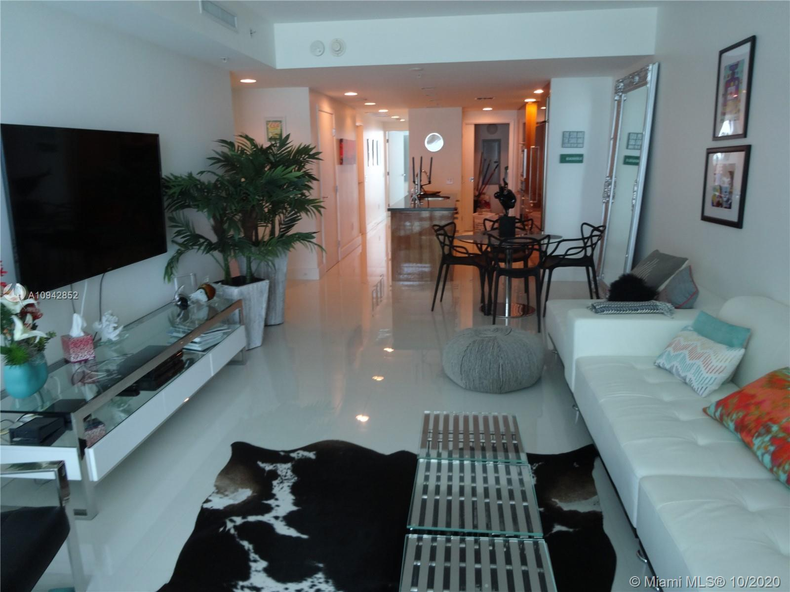 3801 Collins Ave #504 photo02