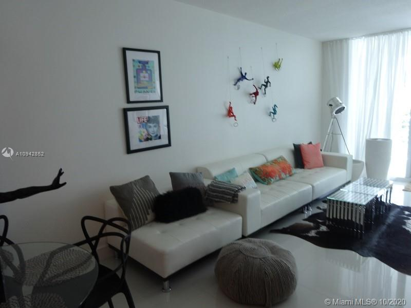 3801 Collins Ave #504 photo06