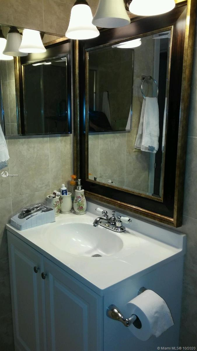 4850 NW 29 COURT # 425, Lauderdale Lakes, Florida 33313, 2 Bedrooms Bedrooms, 1 Room Rooms,2 BathroomsBathrooms,Residential,For Sale,4850 NW 29 COURT # 425,A10943033