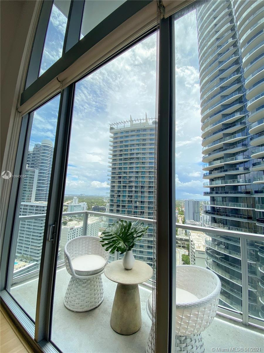 1050 Brickell Ave #2816 photo06