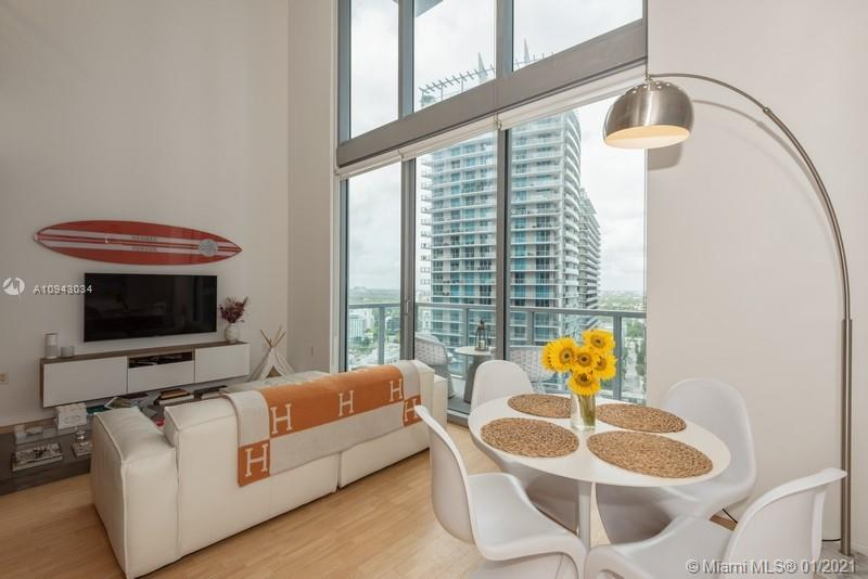 1050 Brickell Ave #2816 photo05