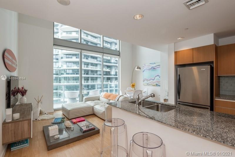 1050 Brickell Ave #2816 photo015