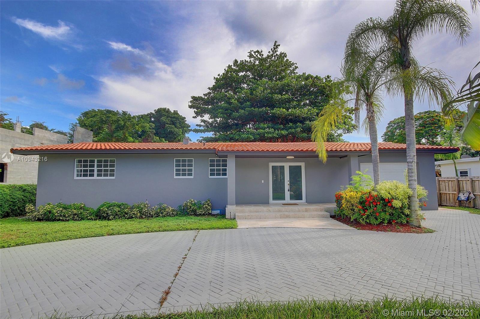 South Miami - 5500 SW 80th St, Miami, FL 33143