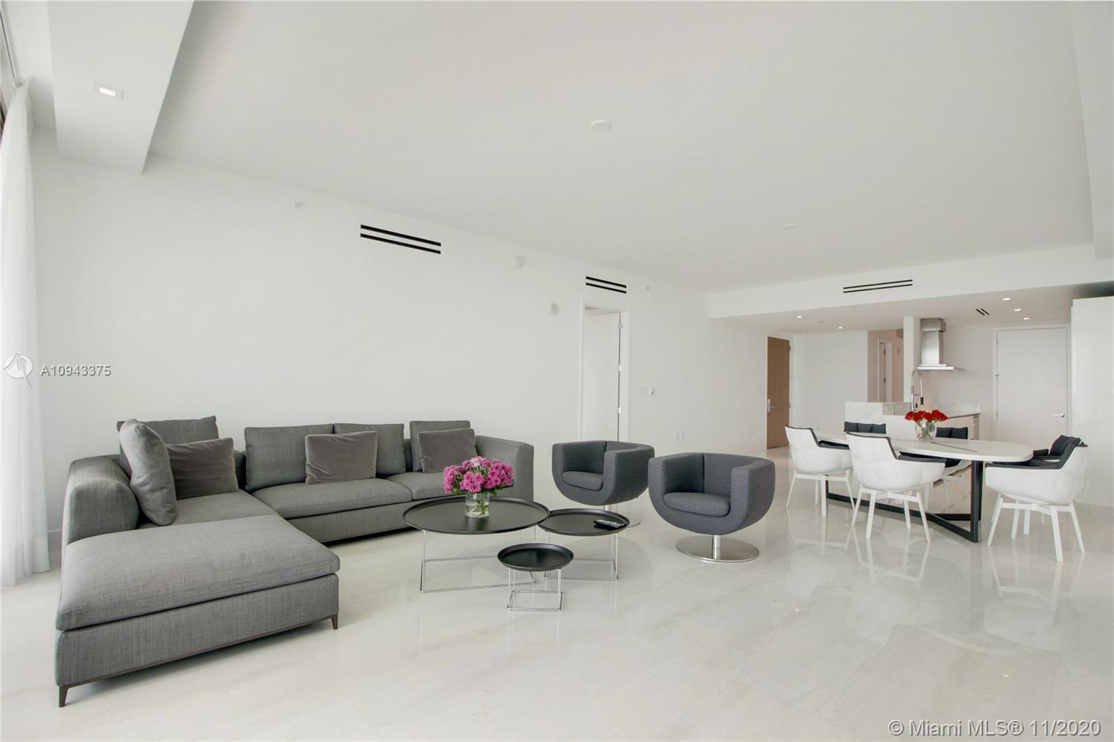 10203 Collins Ave #403 photo04