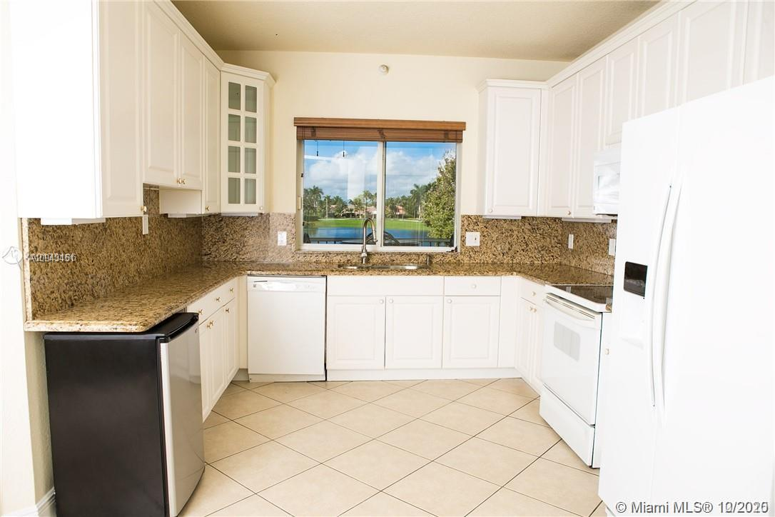 10770 NW 66th St #208 photo07