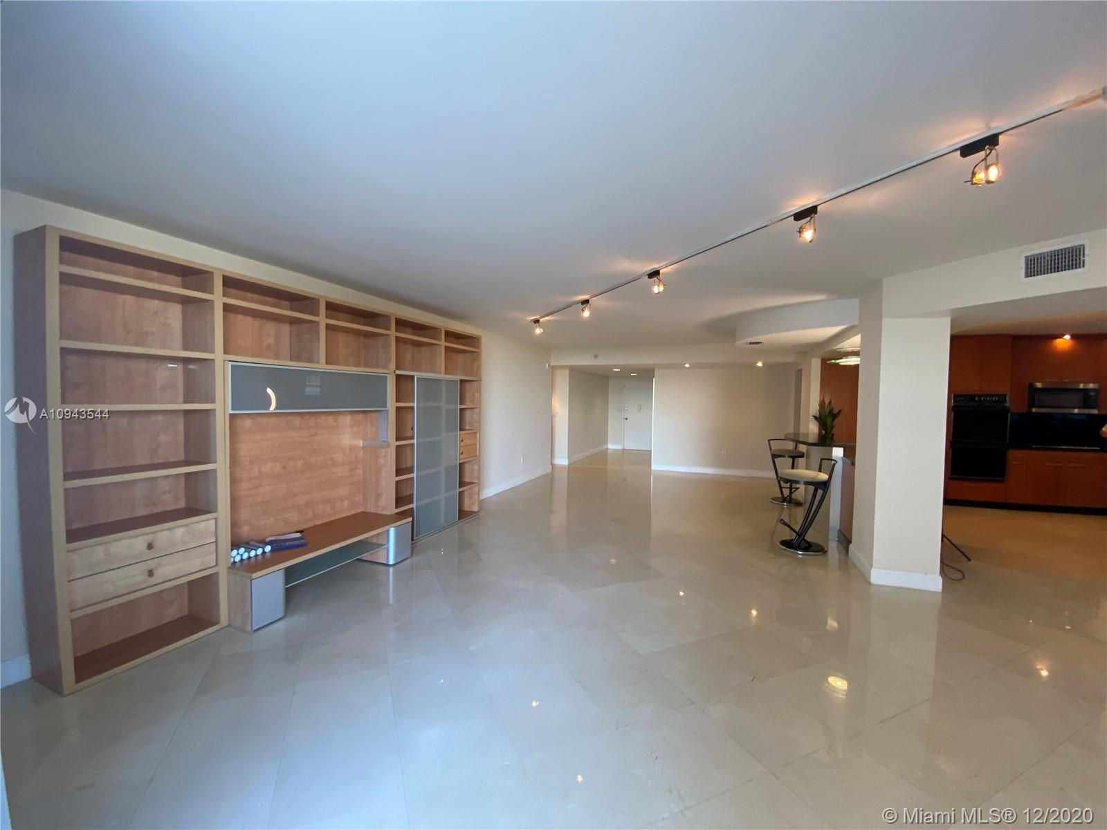 5825 Collins Ave #4G photo07