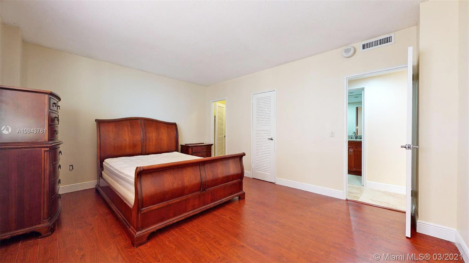 10185 Collins Ave #812 photo017