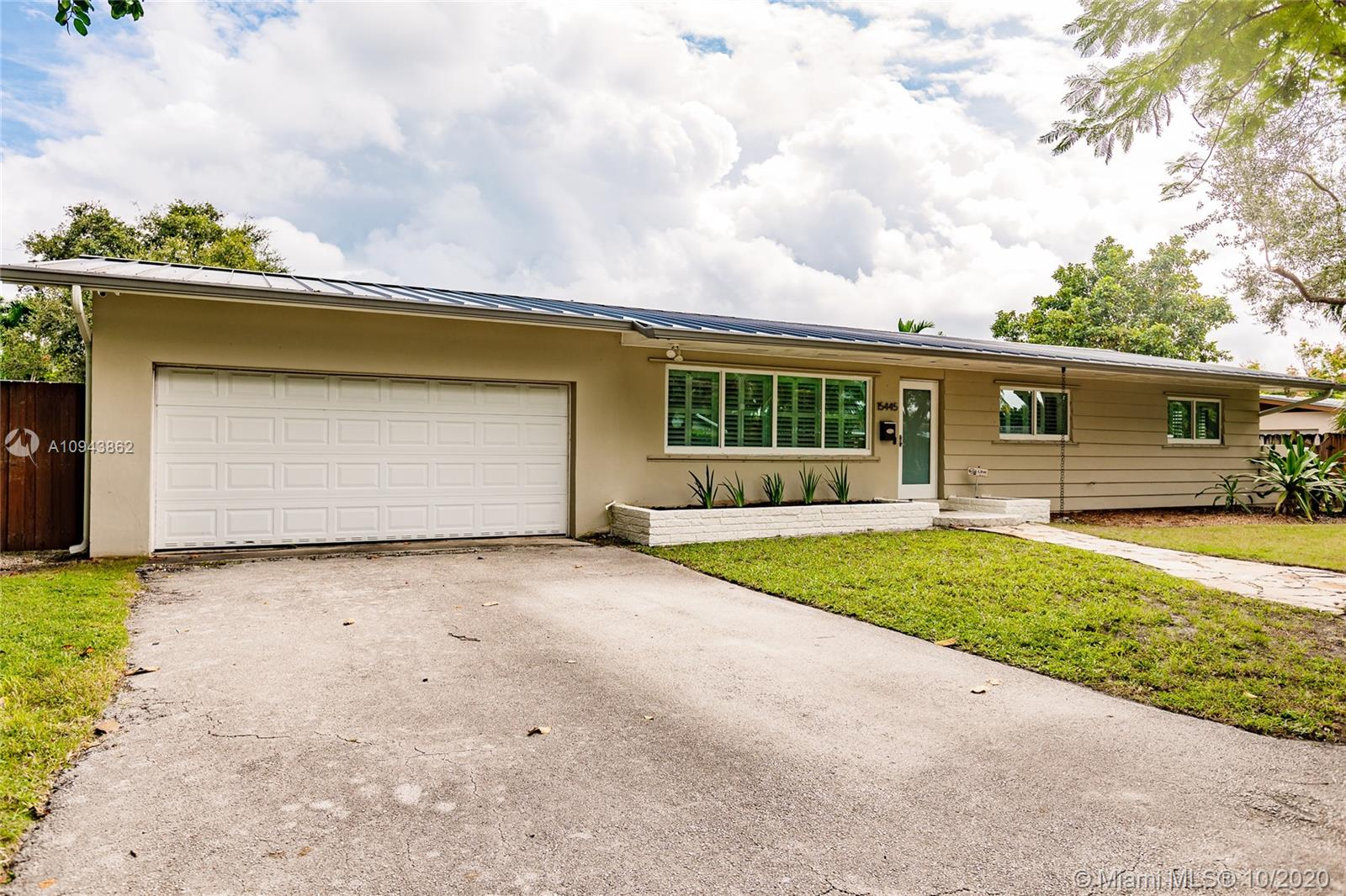 15445 SW 88th Ave, Palmetto Bay, Florida 33157, 3 Bedrooms Bedrooms, ,2 BathroomsBathrooms,Residential,For Sale,15445 SW 88th Ave,A10943862