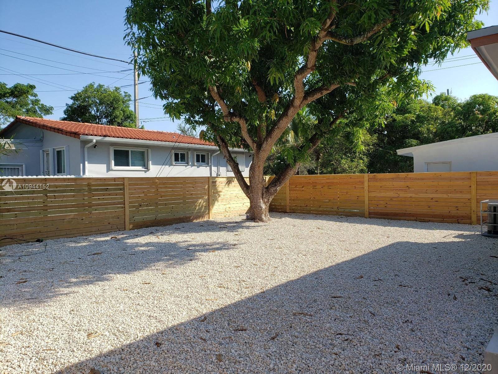 315 NW 40th St photo011