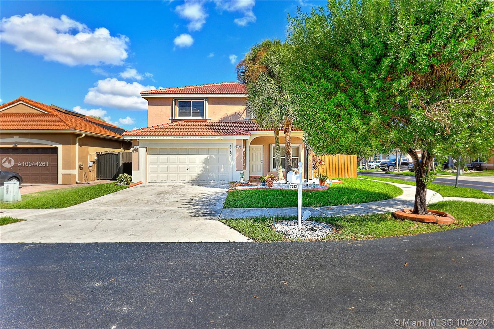 7583 SW 166th Ct, Miami, Florida 33193, 4 Bedrooms Bedrooms, 8 Rooms Rooms,3 BathroomsBathrooms,Residential,For Sale,7583 SW 166th Ct,A10944261