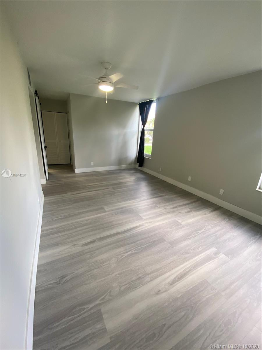 922 NE 199th St # 104, Miami, Florida 33179, 2 Bedrooms Bedrooms, ,2 BathroomsBathrooms,Residential Lease,For Rent,922 NE 199th St # 104,A10944264