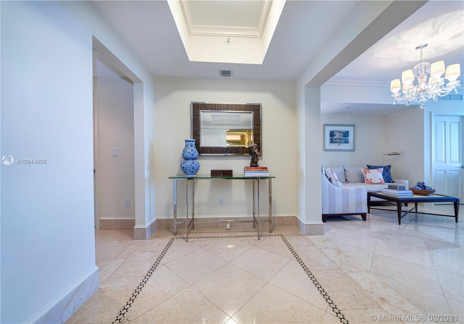 17875 Collins Ave #3303 photo02