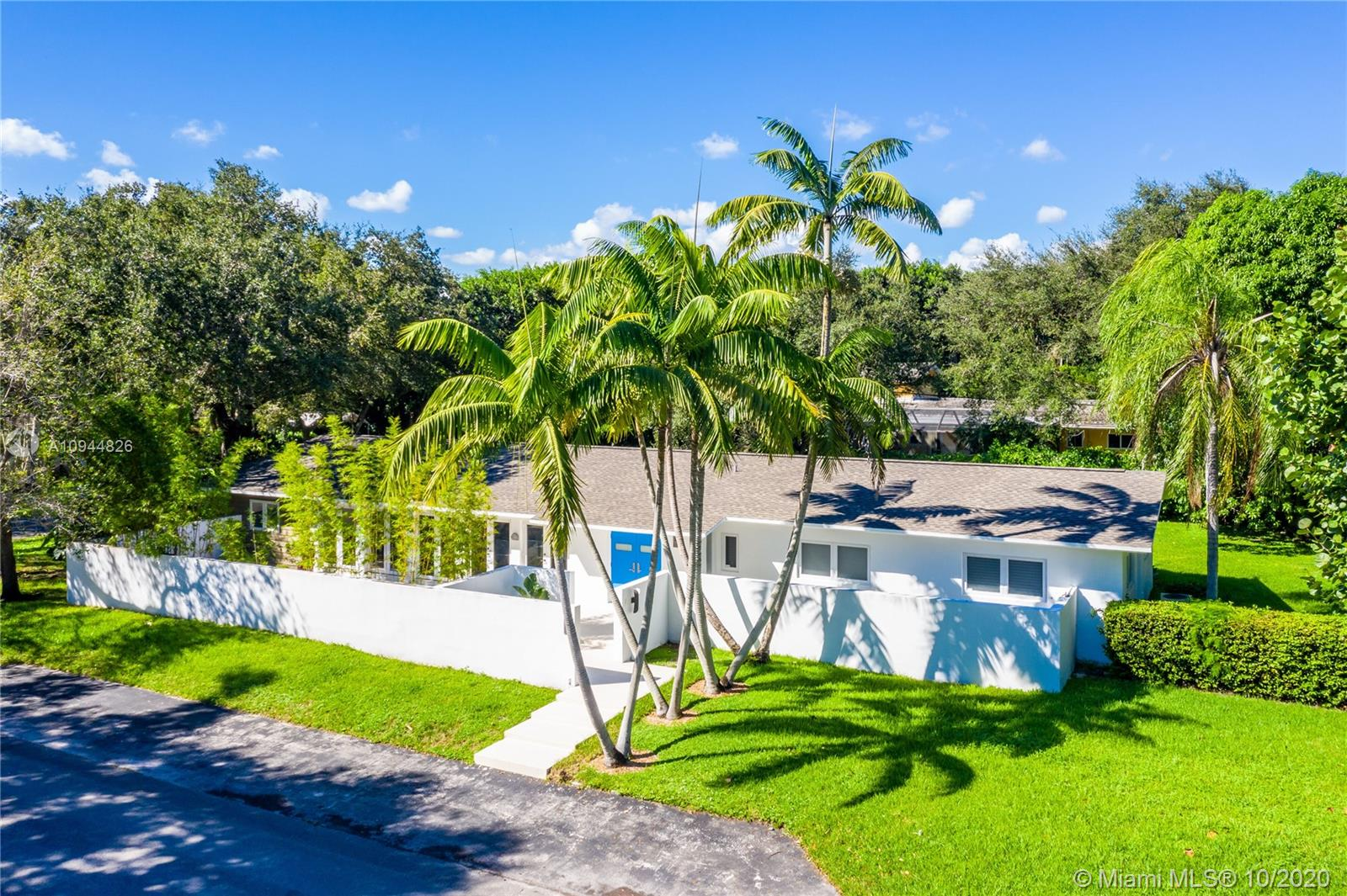 5875 SW 100th St, Pinecrest, Florida 33156, 5 Bedrooms Bedrooms, ,3 BathroomsBathrooms,Residential,For Sale,5875 SW 100th St,A10944826