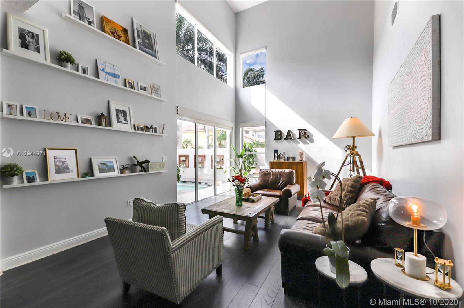 West Lake Village - 1090 Oysterwood St, Hollywood, FL 33019