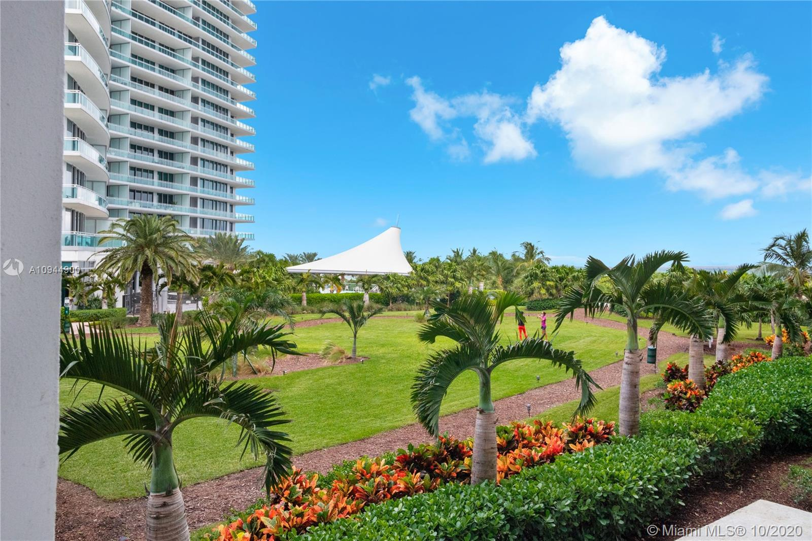 10275 Collins Ave #304 photo014