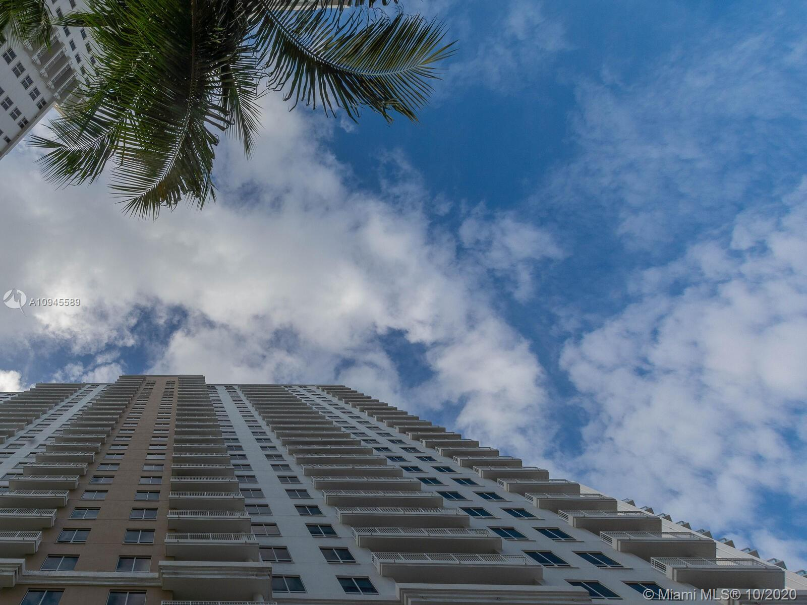 Courts Brickell Key #704 - 801 Brickell Key Blvd #704, Miami, FL 33131